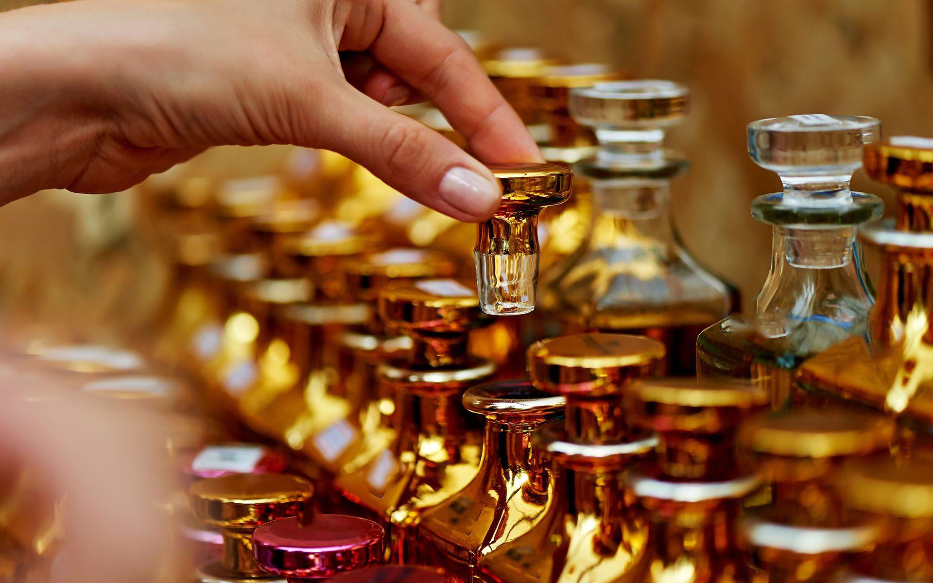 Notre client 2 Parfums - 1920x1200